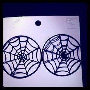 Spider Web Earrings / NWT